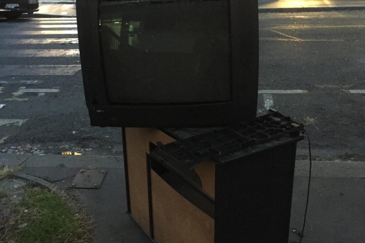 Télévision zombie, Paris 2021